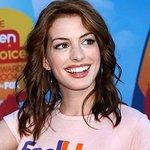 Anne Hathaway To Host Women's Media Awards