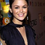 Rachel Bilson Selects Bags For Charity Sale