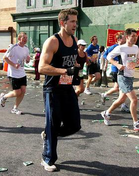 Ryan Reynolds in the 2008 NYC Marathon