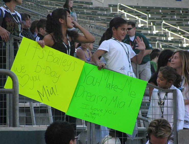 Fans Inspired by Mia Hamm