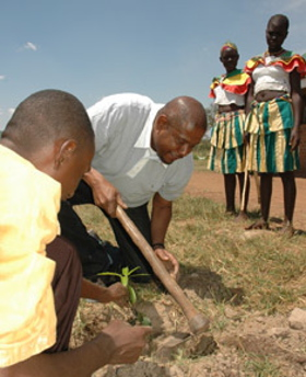 Forest Whitaker in Uganda for Hope North