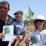 Naomi Watts Plants Trees In Israel
