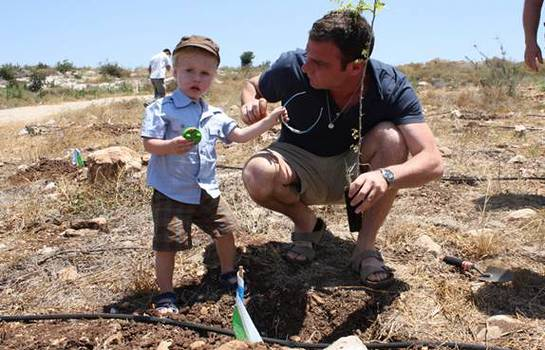 Liev Schreiber, Naomi Watts, and their two children Sacha and Kai, helped green the land by planting a tree at Jewish National Fund Park in the Galilee on June 14th.