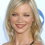 Amy Smart Supports Leaping Bunny And Shops Cruelty Free