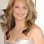 Helen Hunt Joins Surfrider Foundation For Clean Water