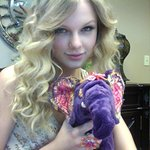 Taylor Swift Signs Elephant For Family Health International