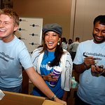 Carrie Ann Inaba iParticipates At Food Bank
