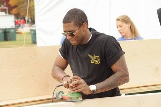 Usher Lends A Hand