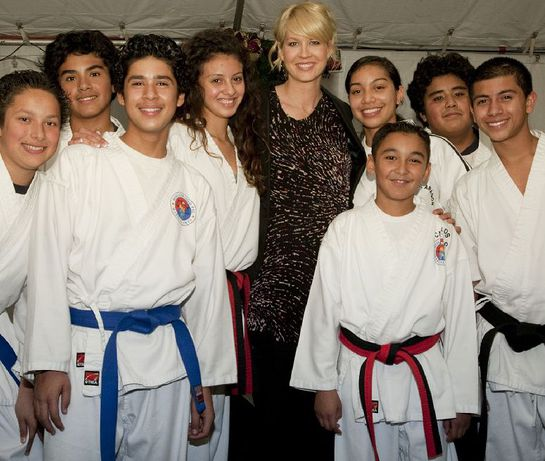 Jenna Elfman at PAL Xmas event
