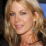 Jenna Elfman To Host Laugh For Sight Comedy Event