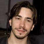 Justin Long Gives Voice To Neglected Dog