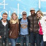 NFL's Chris Hope Hands Out Shoes To Nashville Flood Victims