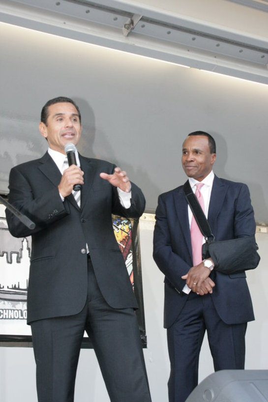 Sugar Ray Leonard and Mayor Villaraigosa