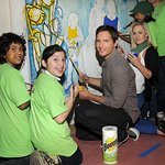 Peter Facinelli and Jennie Garth Make A Clean Difference For Charity
