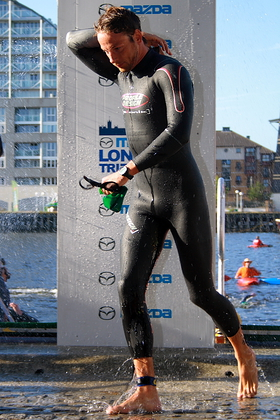 Jenson Button Competes In London Triathlon for Charity