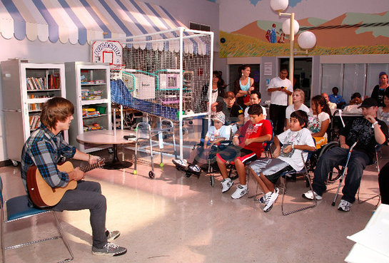 Alex Lambert at Children's Hospital LA with Reality Cares