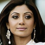Shilpa Shetty Auctions Kisses For Charity