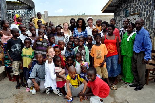 Whitney Port With children at the Help the Children Orphanage