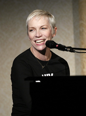 Annie Lennox Performs at Global Leadership Awards