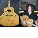 Christmas Gift Idea: Stars Sign Guitars For Amnesty International