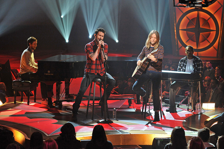 Maroon 5 perform at adoption special