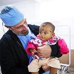 """""""Lost"""" Star Matthew Fox Volunteers in India"""