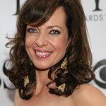 Allison Janney Hosts Show To Celebrate Shelter Pets