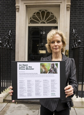 Jenny Seagrove with BUAV letter at 10 Downing Street