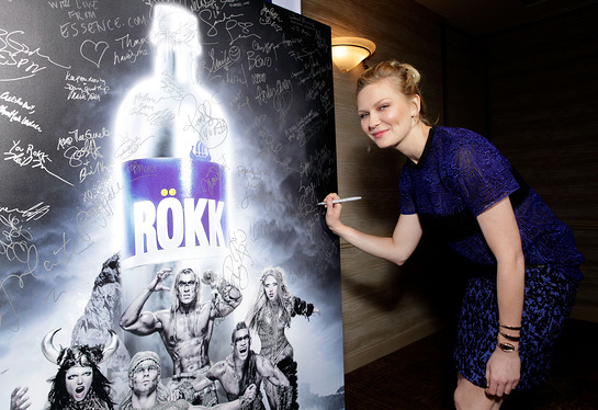 Kirsten Dunst signing ROKK photo