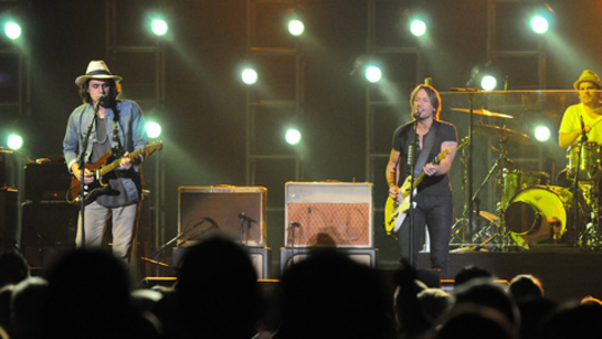 John Mayer and Keith Urban Perform at Tiger Jam 2011