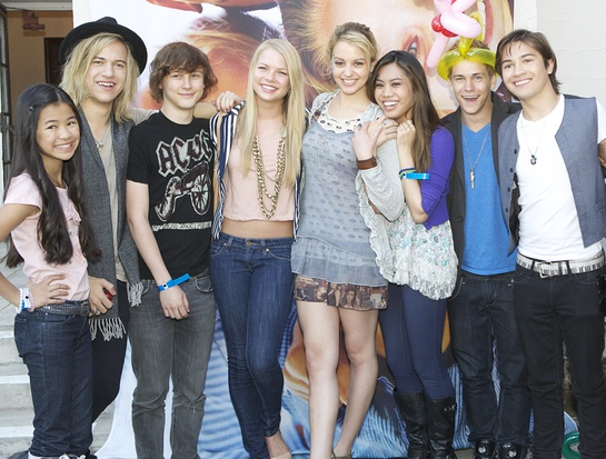 Tiffany Espensen, Dillon Lane, Logan Miller, Kristi Lauren, Gage Golightly, Ashley Argota, Glenn McCuen, Taylor Gray