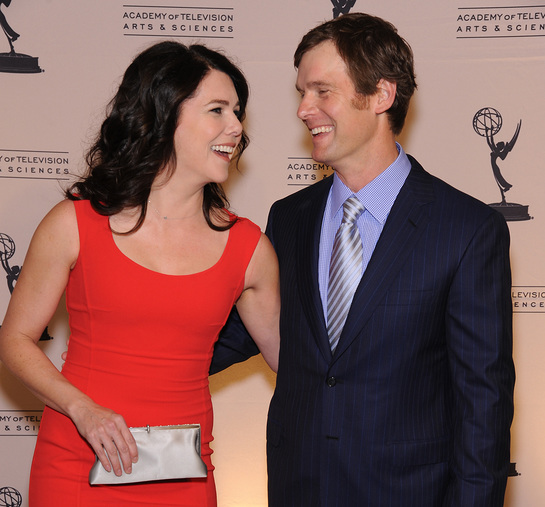 Lauren Graham (in Michael Kors) and Peter Krause