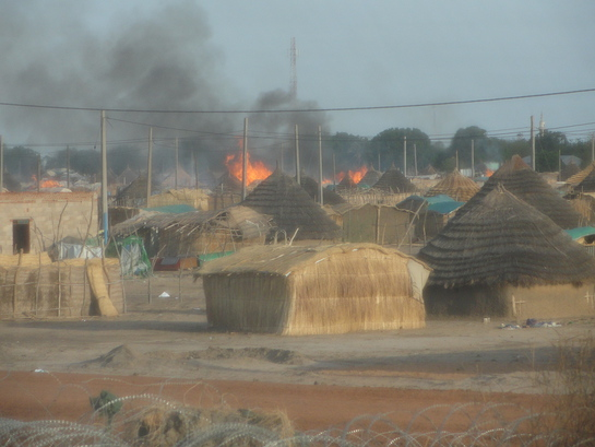 Tukuls burning in Abyei town - May 23, 2011