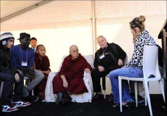 Dalai Lama meets Les Twentyman in Melbourne