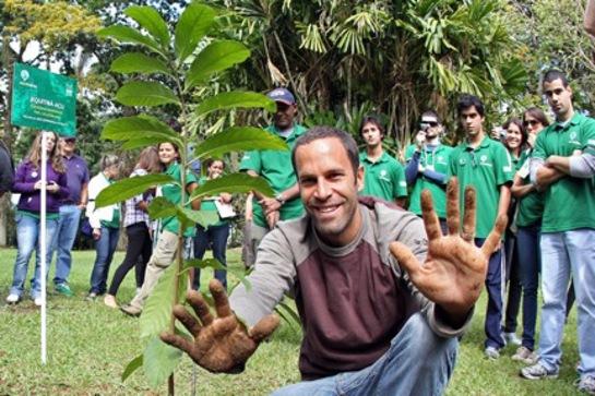 Photo: Jack Johnson Plants a Tree in Brazil