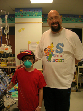 Scott L. Schwartz Visits Children's Hospital