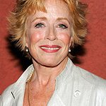 Holland Taylor To Be Honored At Charity Event