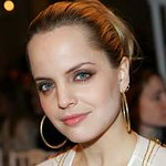 Mena Suvari Urges Fans To Help The Hungry In East Africa
