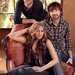 Lady Antebellum Visits Children's Hospital