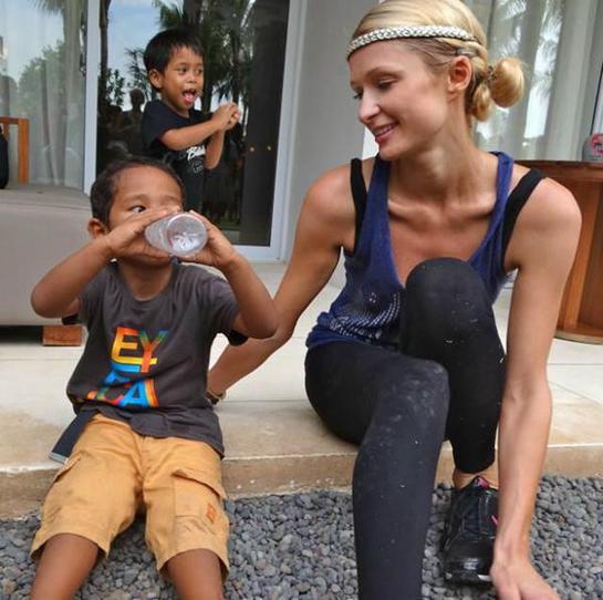 Paris Hilton and an orphan in Bali