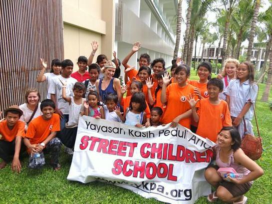 Paris Hilton and orphans in Bali