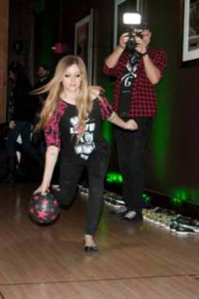 Avril Lavigne Celebrates Picksie 2.0 Launch at Lucky Strike Bowling Lanes in NYC