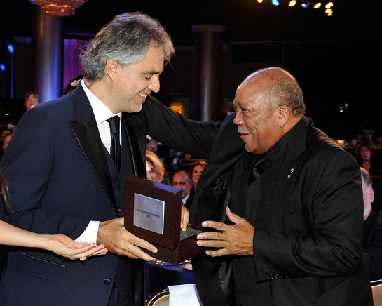 Andrea Bocelli Presents Award To Quincy Jones