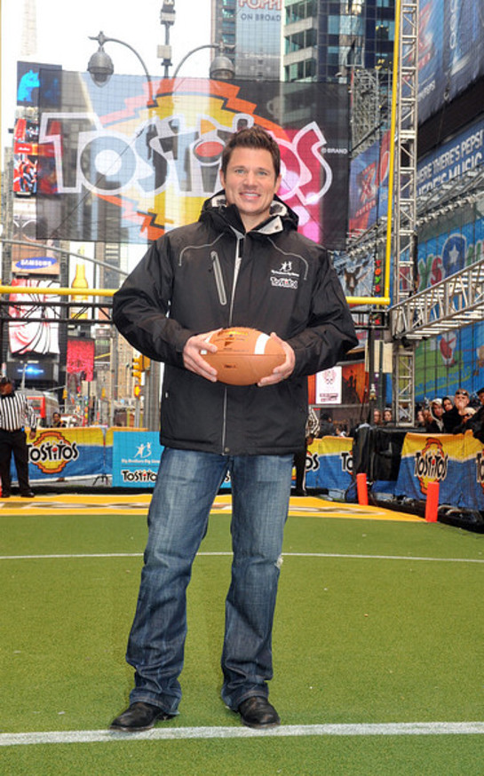 Nick Lachey joins Tostitos brand to kick off the college football bowl game season by hosting the Tostitos Fiesta in the Square