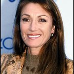Jane Seymour To Host Charity Weekend