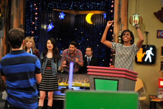 Michelle Obama appears on iCarly