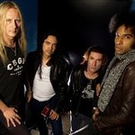 Alice In Chains Hosts Fantasy Football Charity Auction