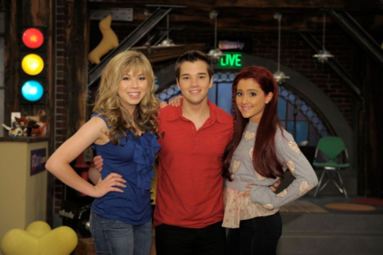 Jennette McCurdy and Nathan Kress and Ariana Grande Join St. Jude Math-A-Thon Team.