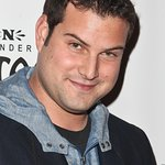 Glee's Max Adler To Kick Off City Hearts Photo Auction‏