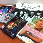 Gwyneth Paltrow And Coldplay Donate To Charity Pub Quiz Auction